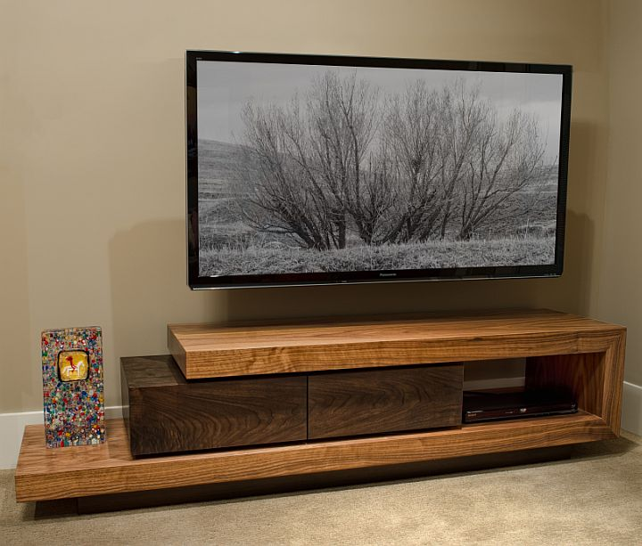 Walnut tv stand custom furniture and cabinetry in boise for Meuble tv console